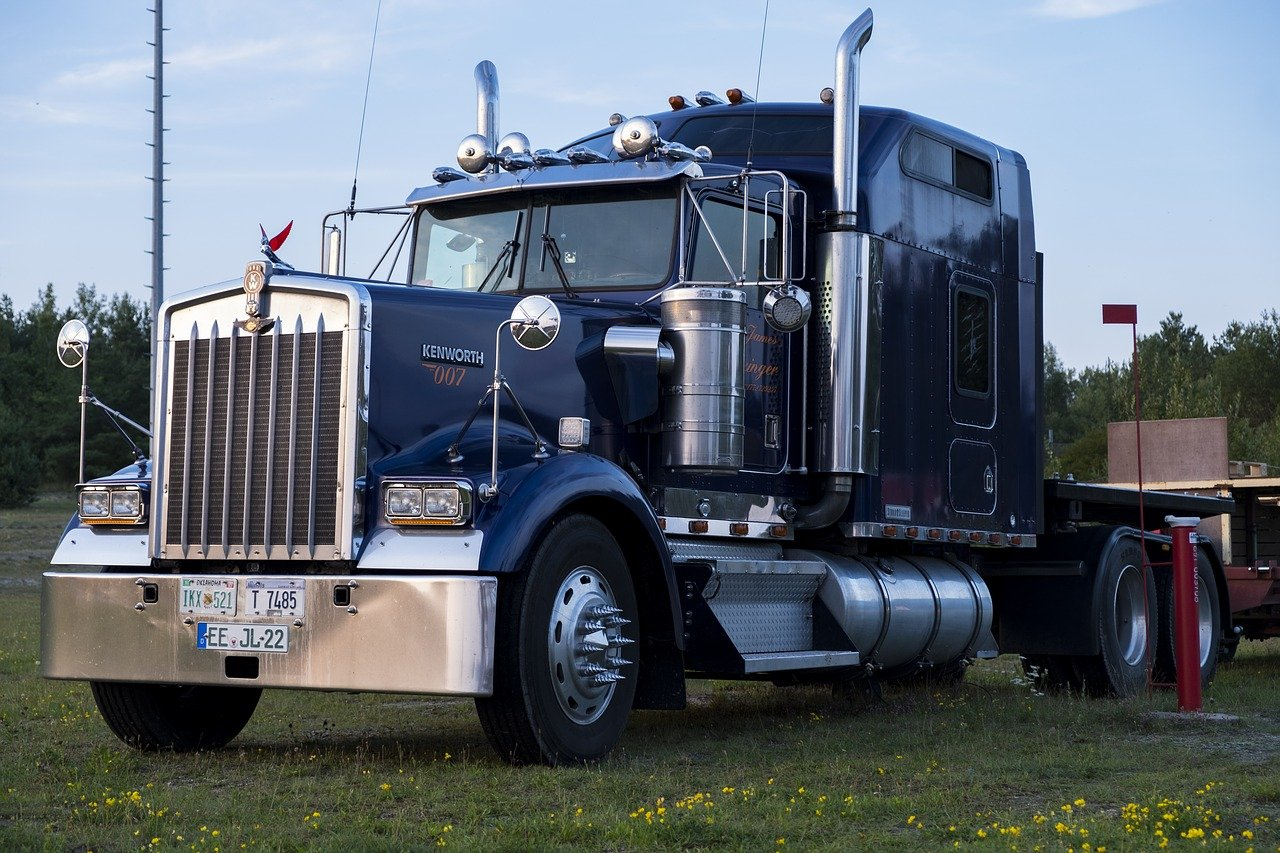 Diesel Engine Semi Truck Evaluation | Highway and Heavy Parts