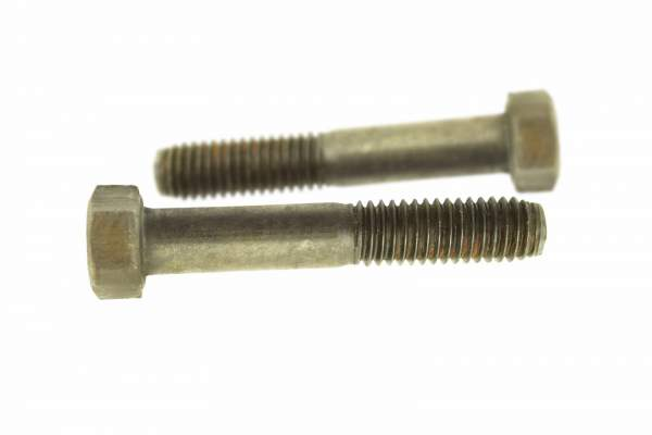 0L2070   Caterpillar C15 Oil Pan Bolt (side 1)