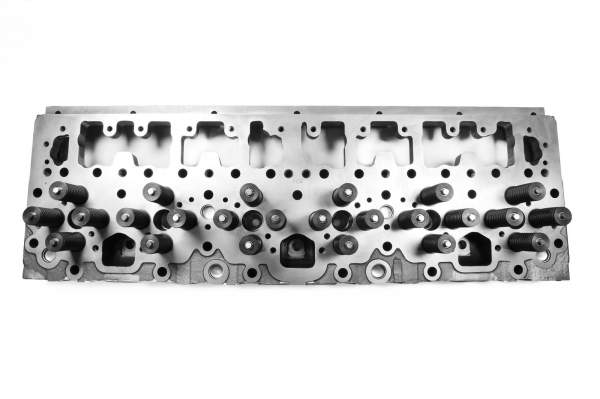 HHP - 1827113C1   Navistar DT466R/DT530 Loaded Cylinder Head, New   Highway and Heavy Parts - Image 1